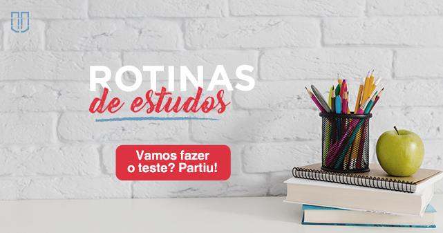 livros e canetas sobre a mesa - teste de rotina de estudos